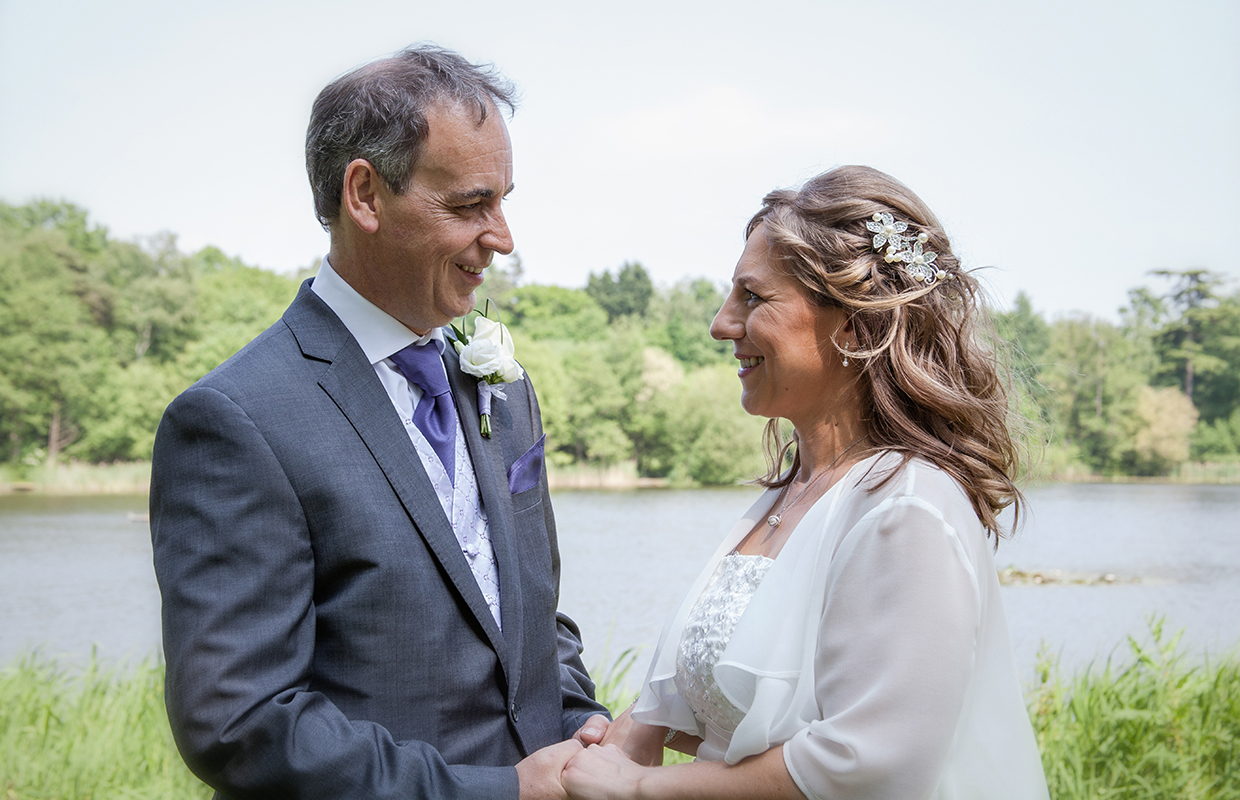 Bride and Groom, Inn on the Lake at Silvermere