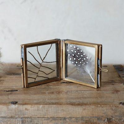 Folding mini frame
